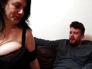 Vollbusige Natürliche Reife Mutter Bekommt Harten Sex