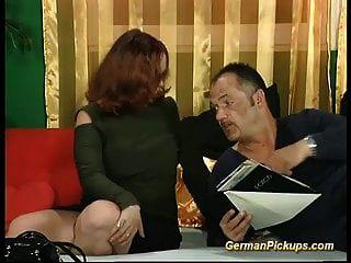 Molliger Deutscher Rotschopf In Ihrem Ersten Porno-casting